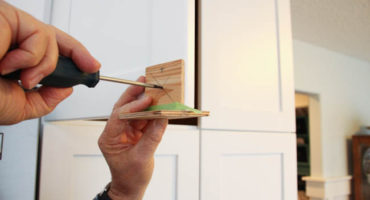 Install Kitchen Cabinet Handles
